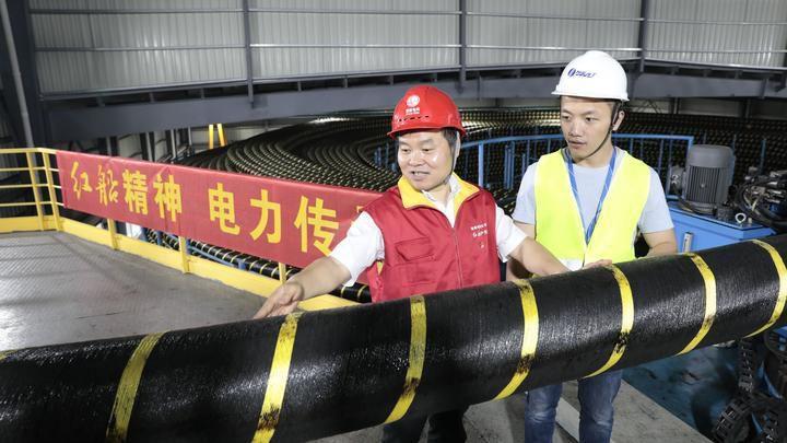 我国首根500千伏(含软接头)海缆刷新世界纪录